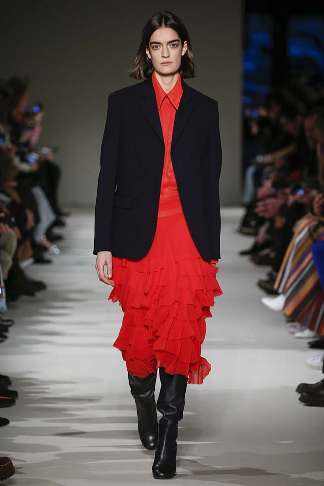 victoria-beckham-fw17-rtw-fall-winter-2017-18-collection (34)-red-ruffles-skirt