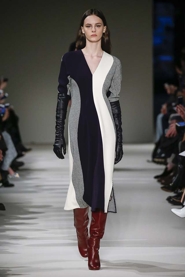 victoria-beckham-fw17-rtw-fall-winter-2017-18-collection (7)-gloves-sweater-dress