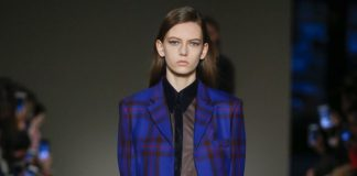 victoria-beckham-fw17-rtw-fall-winter-2017-18-collection-blue-checkered-coat-forma-casual-wear