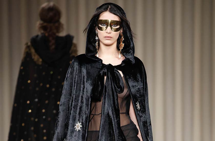 alberta-ferretti-fall-winter-2017-collection-mask-black-velvet-bella-hadid
