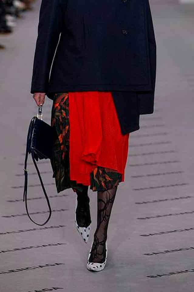 balenciaga-fall-winter-2017-polka-dots-pointed-toe-heels-stylish-heel-for-women