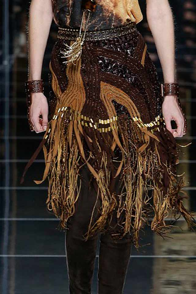 balmain-street-style-look-bracelets-two-hand-matching-latest-jewelry-trends-for-fall