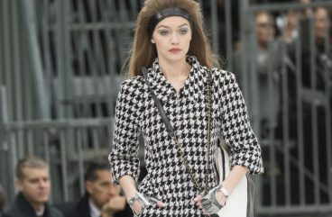 chanel-fall-winter-collection-fall winter 2017-gigi-hadid-fw17-checks