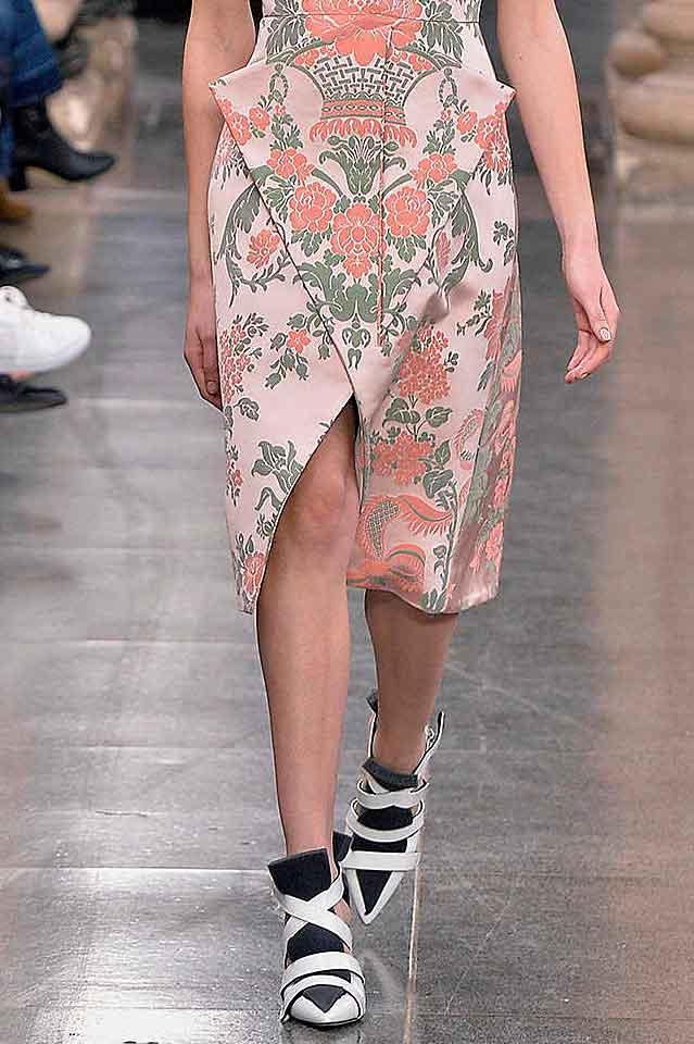 christopher-kane-fall-winter-2017-fw17-multiple-strap-heels-white-latest-shoe-trends