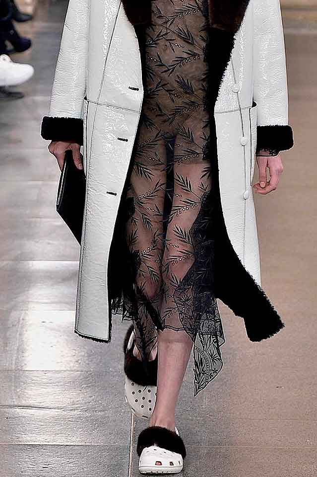 christopher-kane-matching-set-fur-trimmed-laser-cut-flats-fall-winter-shoes-fw17