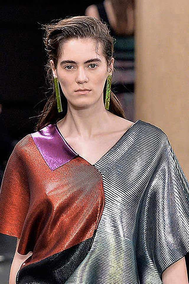 christopher-kane-popular-jewelry-trends-latest-2017-green-long-earrings