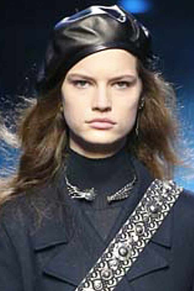 collar-necklace-latest-jewelry-trends-for-fall-winter-2017-dior-necklace