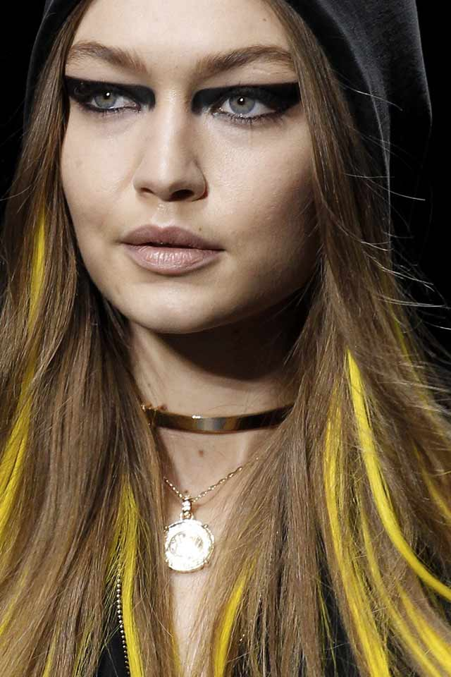 double-necklace-choker-latest-jewelry-trends-fall-winter-2017-trends-versace