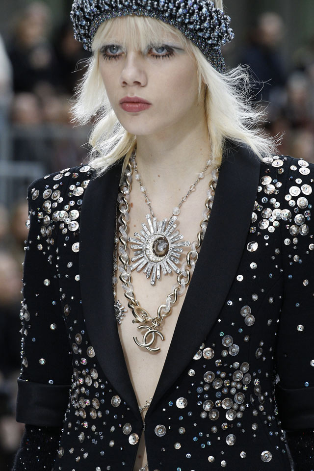 double-necklace-latest-jewelry-trends-for-fall-winter-2017-chanel