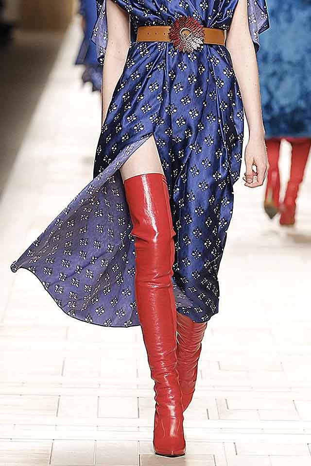 fendi-fall-winter-shoes-2017-fw17-knee-high-boots-red