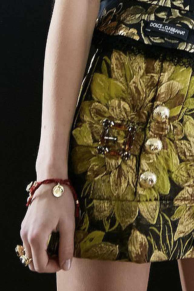 friendship-bracelet-latest-fashion-trends-2017-dolce-gabbana