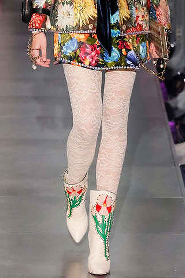 gucci-fall-winter-2017-fw17-floral-printed-boots-shoe-fashion