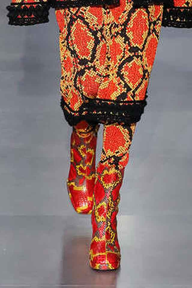 gucci-fw17-printed-boots-matching-set-fall-winter-2017-latest-shoe-trends