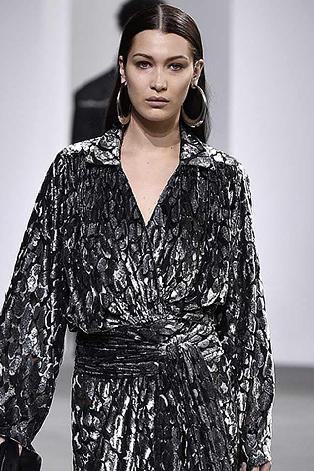 latest-fashion-jewelry-2017-fall-michael-kors-long-metallic-earrings