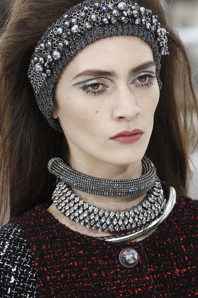 latest-fashion-jewelry-fw17-chanel-long-necklace-stine