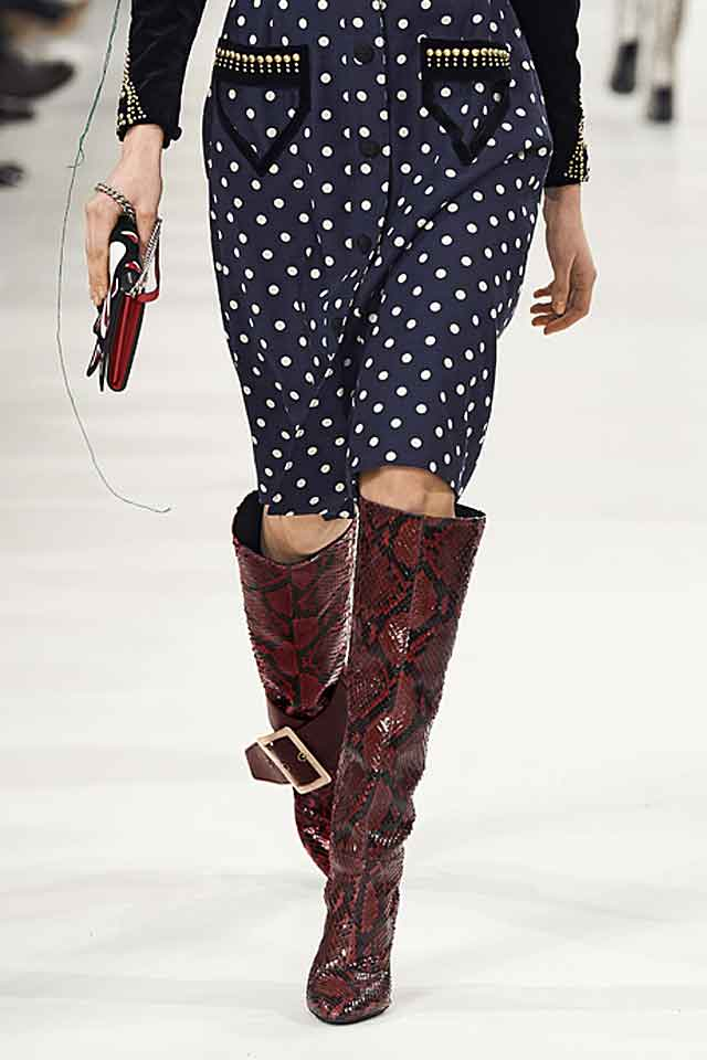 marc-jacobs-fw17-fall-winter-2017-printed-boots