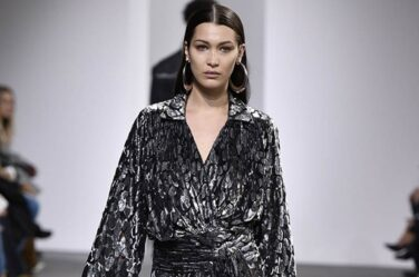 michael-kors-fall-winter-2017-collection-bella-hadid-fw17-dresses-black-wrap-dress