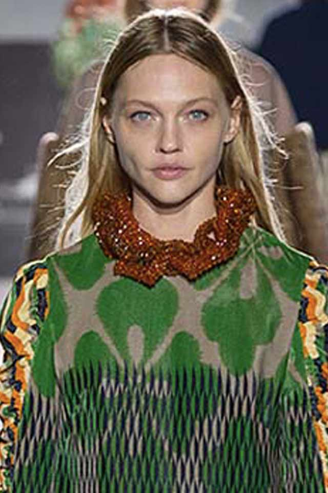 new-jewelry-trends-latest-fashion-runways-dries-von-noten-collared-necklace-brown