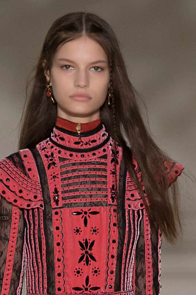 runway-jewelry-trends-fall-winter-2017-latest-red-earrings