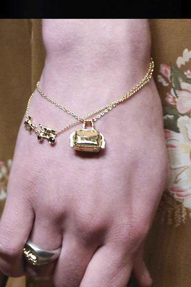 runway-jewelry-trends-latest-fall-winter-2017-coach-bracelet