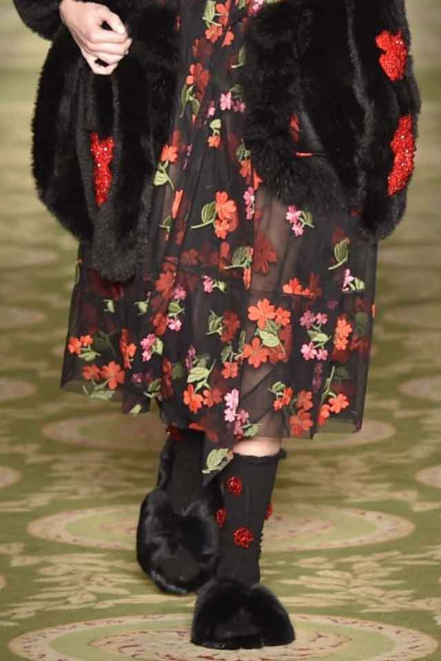 simone-rocha-fur-slip-ons-fall-winter-2017-black-fw17