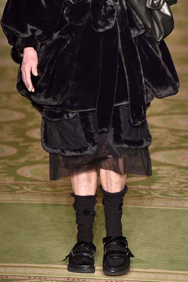 simone-rocha-latest-fall-winter-2017-shoes-mutiple-strap-flats-fw17-applique-socks