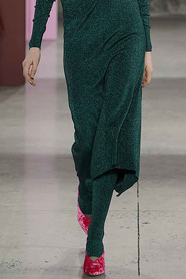 tibi-fall-winter-2017-fw17-(4)-best-flat-stylish-shoes-red-velvet