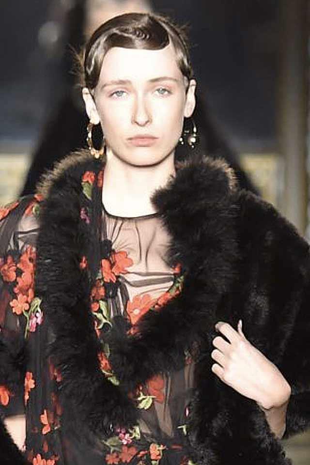 trendy-jewelry-for-fall-winter-2017-simonae-rocha-round-earrings