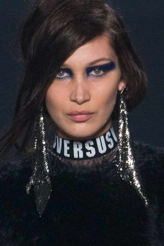 versus-versace-fall-winter-2017-long-glittery-silver-earrings