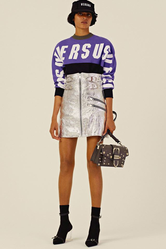 logo-tshirt-metallic-skirt-baseball-cal-versus-versace-resort-collection-fashion-trends