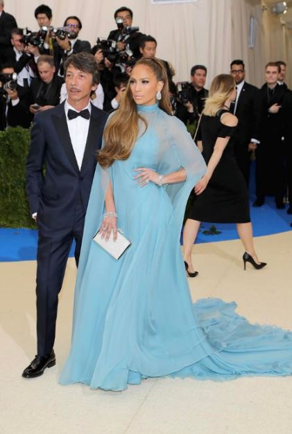met-gala-2017-celeb-style-dresses-blue-sheer-gown