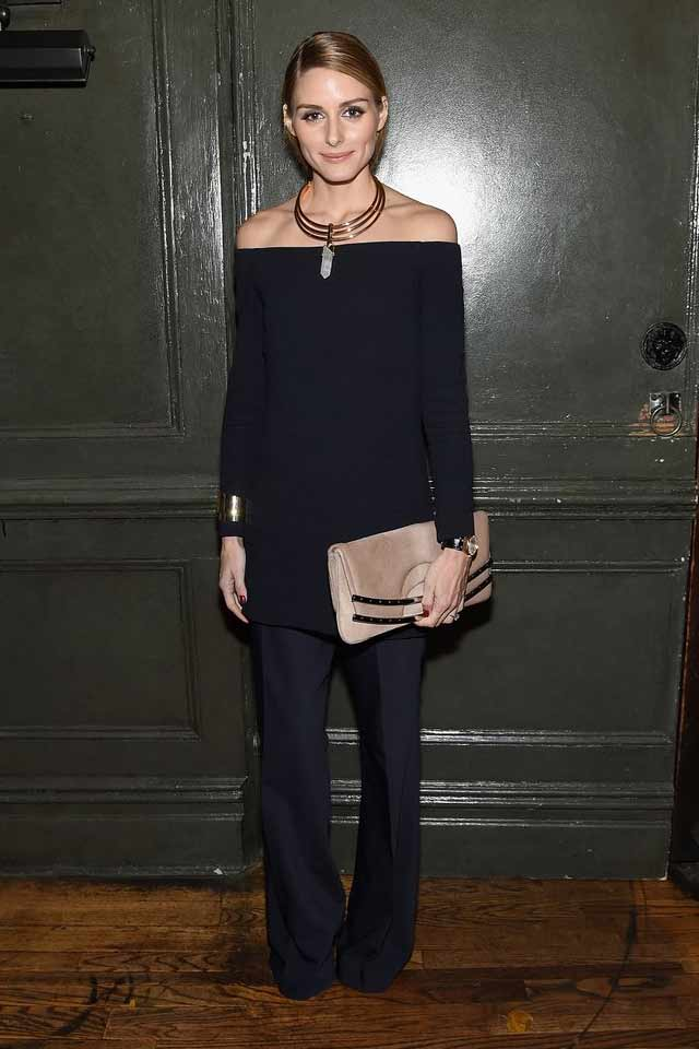 olivia-palermo-latest-outfit-dresses-with-pants-best-trend-2017-monochromatic-black-dress