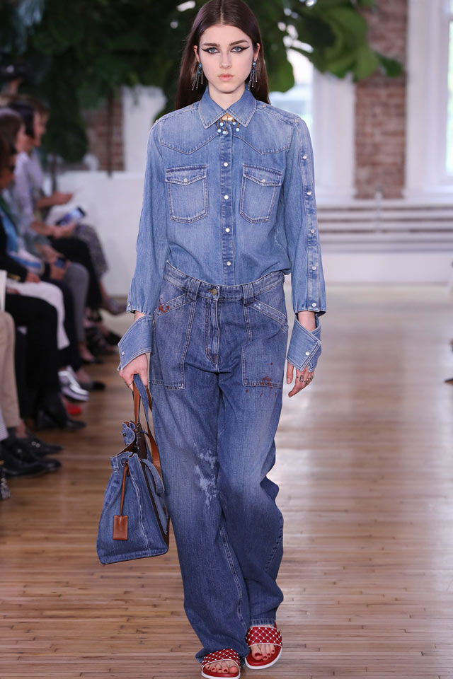 valentino-denim-on-denim-trend-best-cruise-2018-collection-fashion-style-resort-collection