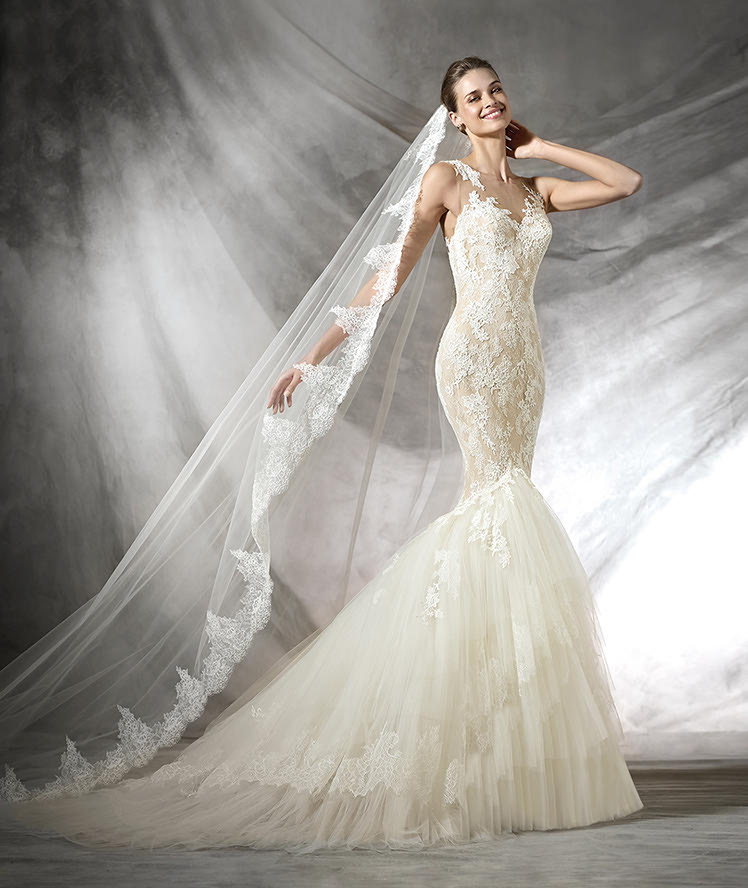 best-kinds-of-gowns-ideas-mermaid-style-designer-body-type-marchesa mermaid-white-tulle