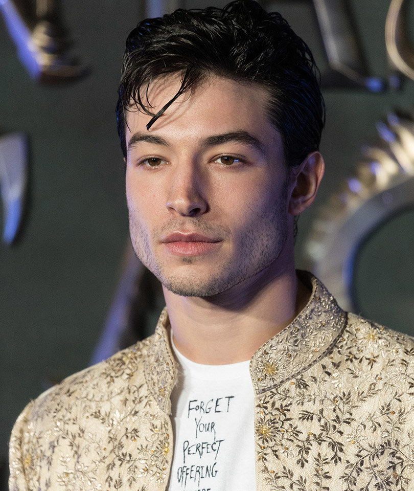 ezramiller-hollywood-actors-hairstyle-celeb-best-downstyled-bangs-2017