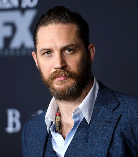 tom-hardy-hollywood-hairstyles-for-men-celebrity-sexiest-actor-upstyled-tops-2017