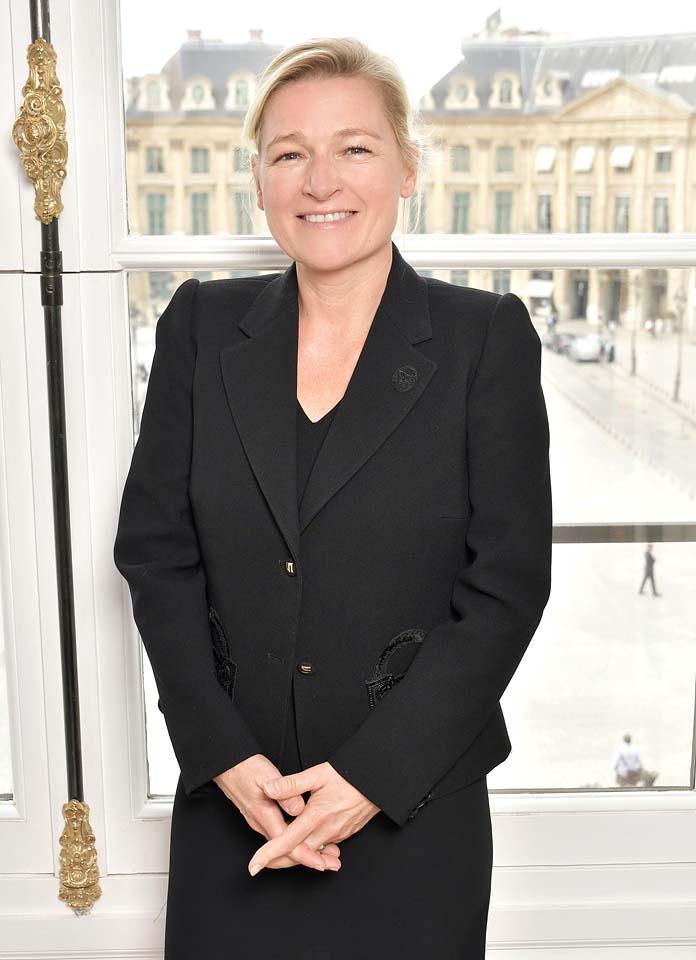 Anne-Elisabeth Lemoine-schiaparelli-guest-front-row-2017