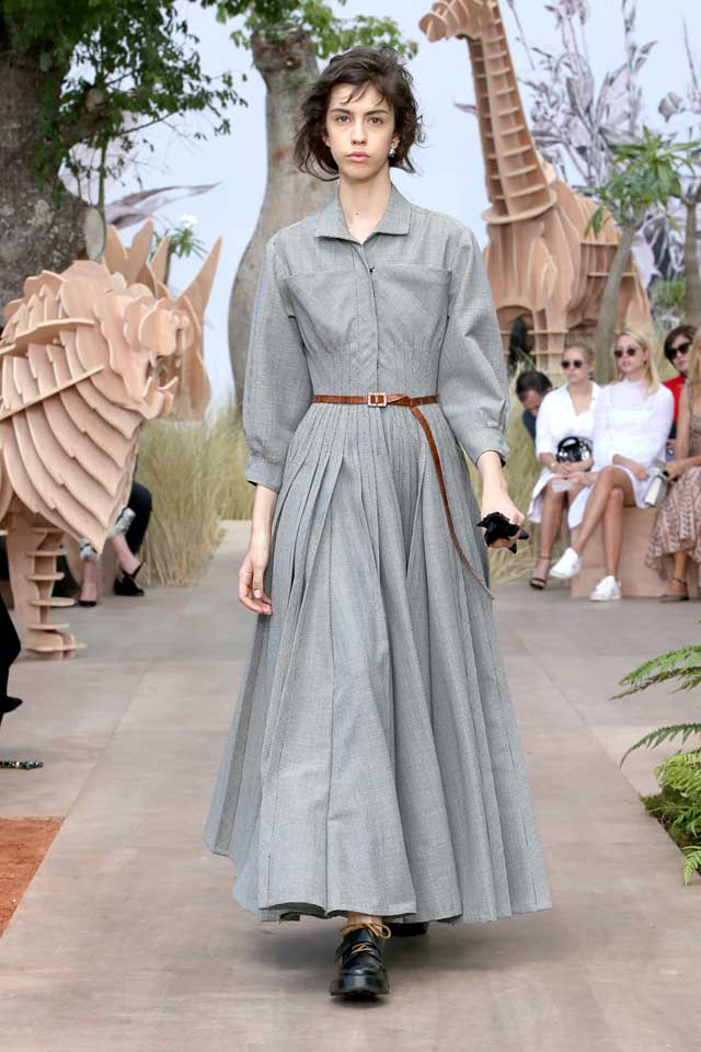 DIOR_Haute Couture-AW2017-fall-winter-2017-dresses (12)-collared-ruffled-dress-sleeves-belt-shoes