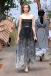 DIOR_Haute Couture-AW2017-fall-winter-2017-dresses (18)-strapless-asymmetric-gown-grey-floral-heels