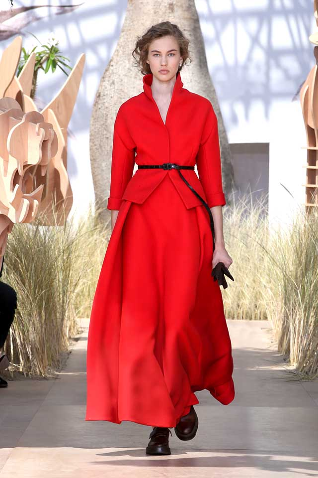DIOR_Haute Couture-AW2017-fall-winter-2017-dresses (27)-red-collared-top-skirt-shoes