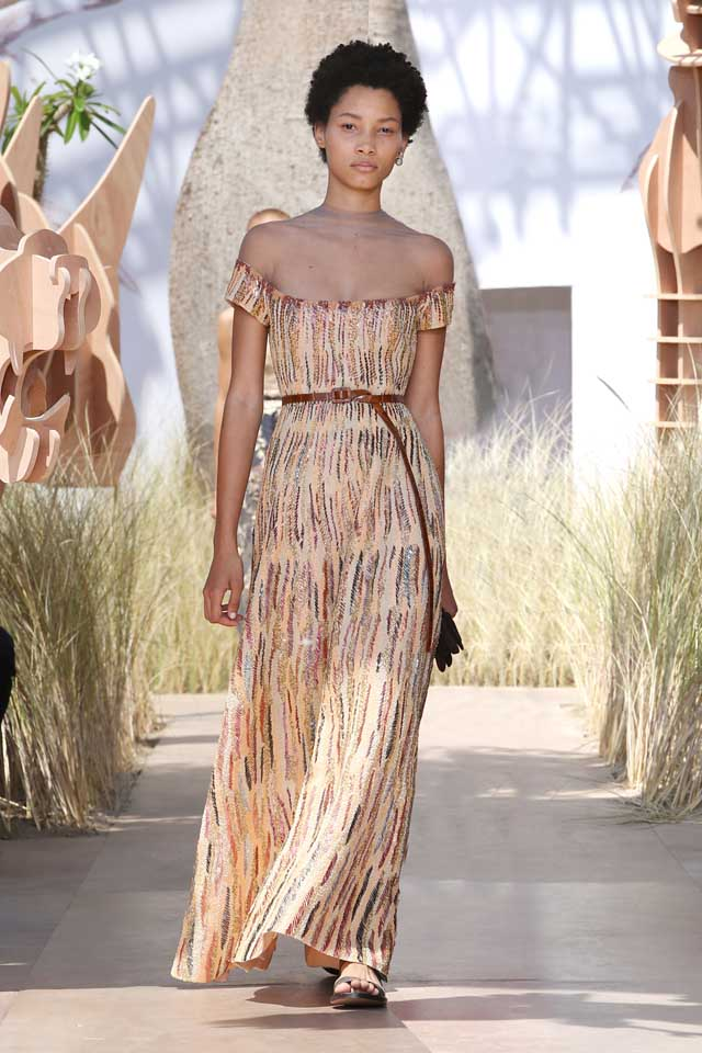 DIOR_Haute Couture-AW2017-fall-winter-2017-dresses (46)-off-shoulder-printed-dress-belt