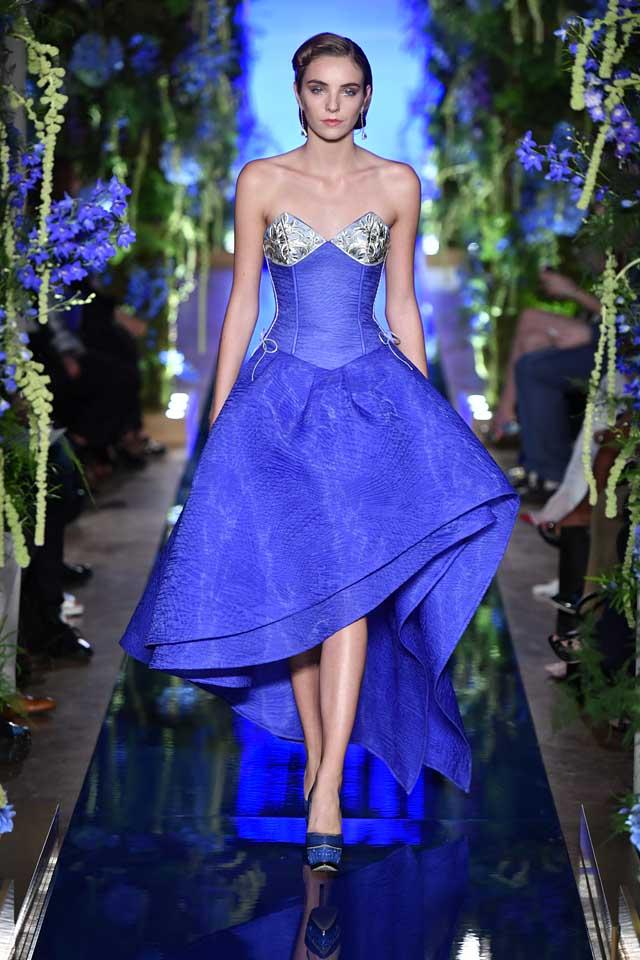 Guo Pei FW17-18 Couture-fall-winter-2017 (16)-strapless-asymmetric-blue-dress