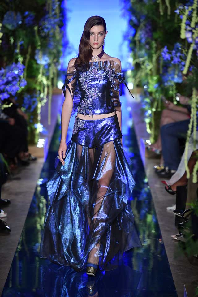 Guo Pei FW17-18 Couture-fall-winter-2017 (18)-strapless-top-sheer-skirt