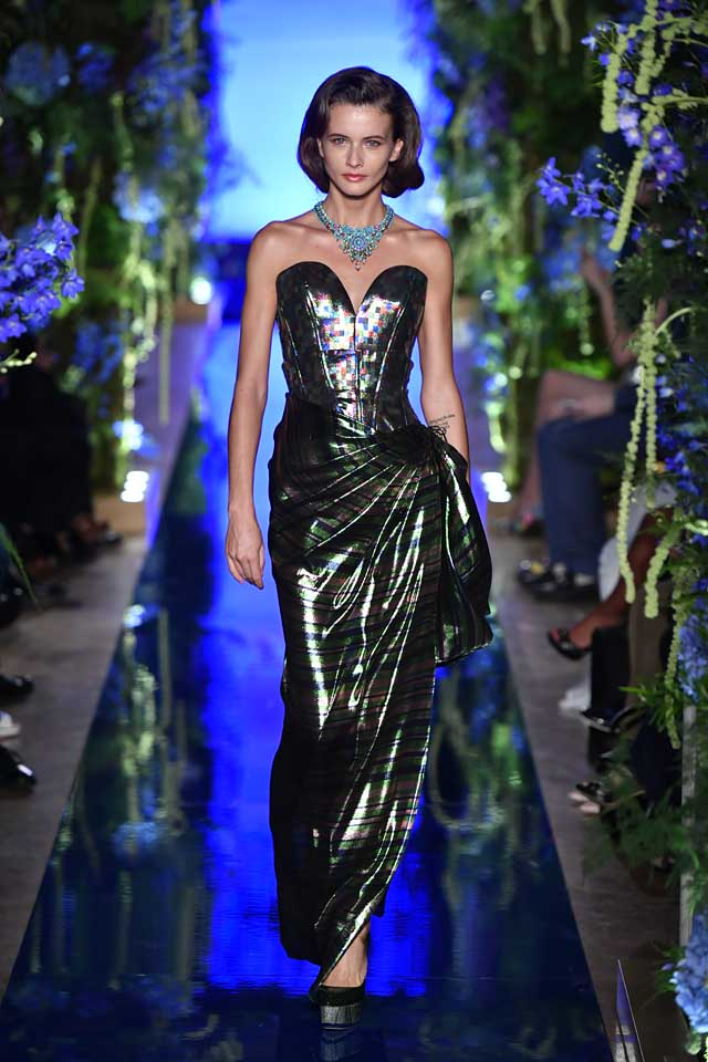Guo Pei FW17-18 Couture-fall-winter-2017 (21)-green-strapless-lined-dress