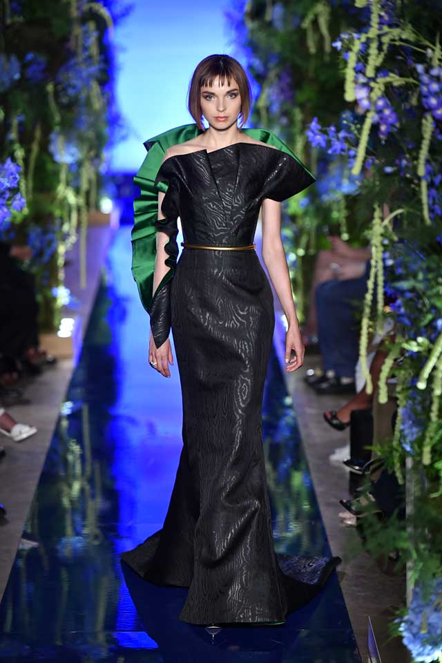 Guo Pei FW17-18 Couture-fall-winter-2017 (23)-black-ruffled-strapless-gown