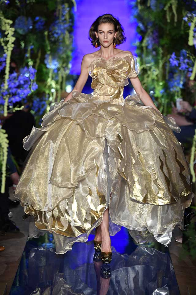 Guo Pei FW17-18 Couture-fall-winter-2017 (29)-metallic-tulle-large-bouffant-gown