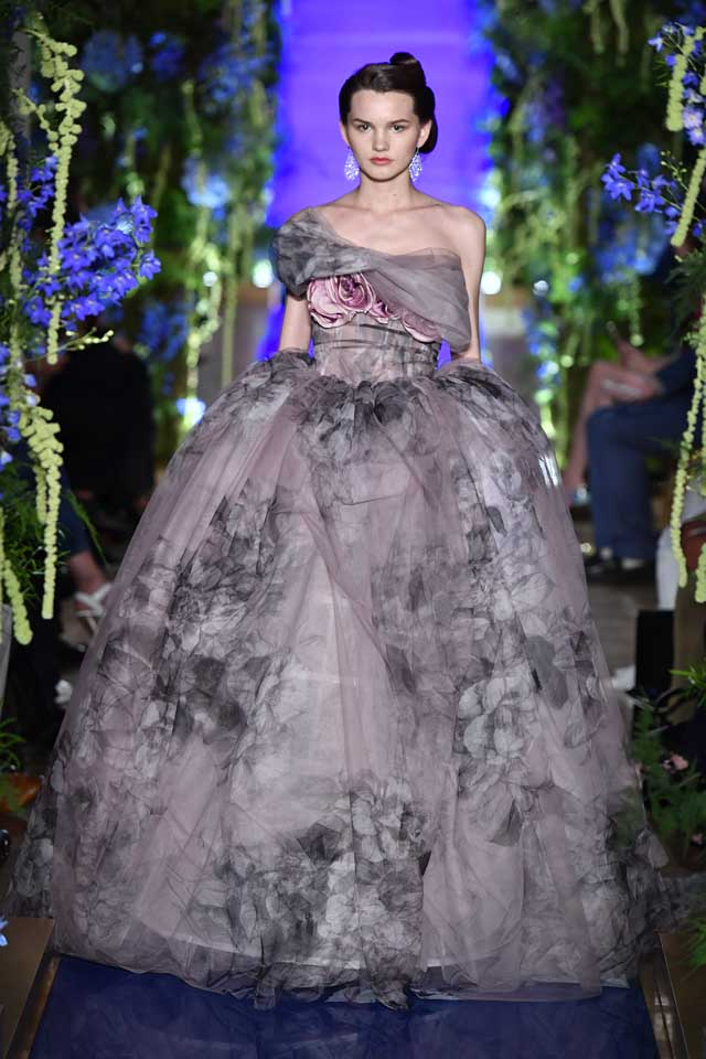 Guo Pei FW17-18 Couture-fall-winter-2017 (30)-strapless-floral-tulle-bouffant-gown