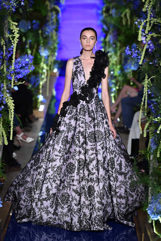 Guo Pei FW17-18 Couture-fall-winter-2017 (31)-black-floral-gown