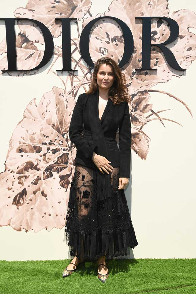 Laetitia-Casta-dior-guests-fall-winter-2017-fw17-18-black-sheer-skirt.jpg
