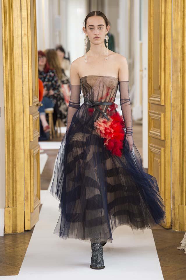Schiaparelli-fall-winter-2017-fw17-couture (13)-statement-earrings